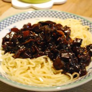韓国のジャージャー麺(チャジャンミョン)レシピ & 取り寄せ'cookeasy'のミールキットで本格韓国料理!