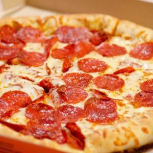 「日本はピザが自動販売機で買えるらしい」…あぁ、人見知りでも会話せずにピザを買うことができる世界【海外の反応】