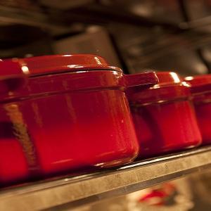 煮込み料理に使いたい料理が楽しくなるおしゃれなホーロー鍋