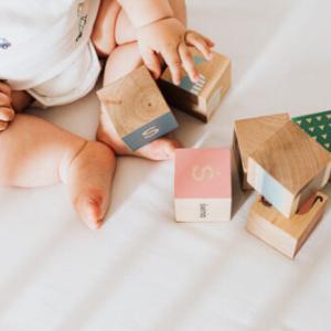 赤ちゃんから英語をやる理由とその価値とは。