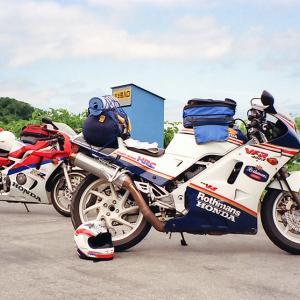 【昔のツーリング】ロスマンズカラーのVFR400R(NC21)で行った1991年の北海道