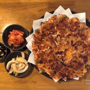 韓国では雨の日にチヂミを食べる... 雨音は鉄板の上で焼く音?