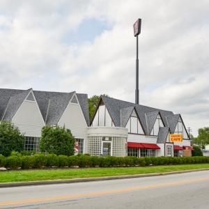 【ケンタッキー州】KFC創業の地を訪れてフライドチキン食べる