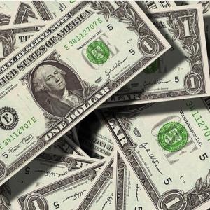 【XLF】金融セクターETFの構成銘柄と株価動向