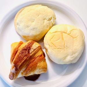 【セブンイレブン】【清水屋】『生クリームクロワッサンカスタード』と『生クリームぱん カスタード』と『メロンパン カスタード』で清水屋『秋のパン祭り!』