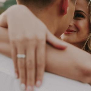 【婚期が遅れる?!】働いてたスタバの店長が急に結婚してた! スタバ恋愛事情の実話