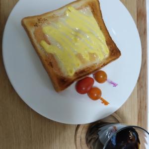 めんたいチーズトースト。