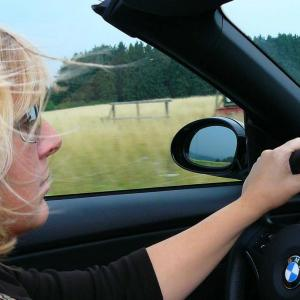 オープンカー大好き!BMWZ4/20i素敵!
