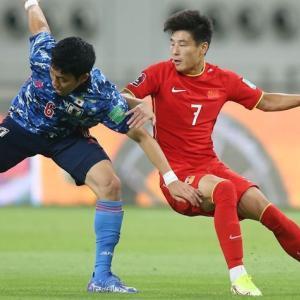 中国代表FWウー・レイ、空港で日本代表と遭遇し「日本の選手はほぼ全員が欧州に」「この差に向き合おう!」と呼び掛ける