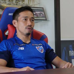 長友佑都、FC東京に上から目線で「ぬるいチーム」とコメントし叩かれる