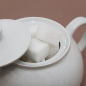 砂糖に替わる甘味料の甘みを比較