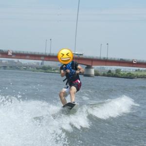【ウェイクボード体験記】簡単に波乗りができる超爽快マリンスポーツ!
