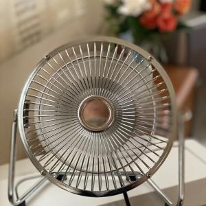 なんと、冷房が壊れた!  The AC is broken!