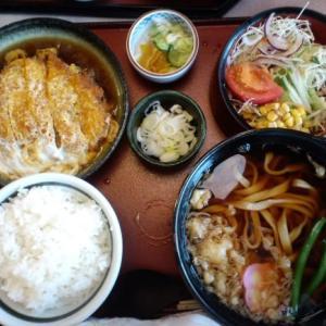 そば蔵本店 煮かつセット(たぬきうどん)