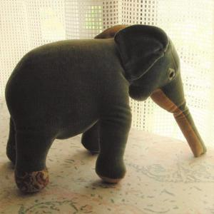 イニシエの象のぬいぐるみのハナシ