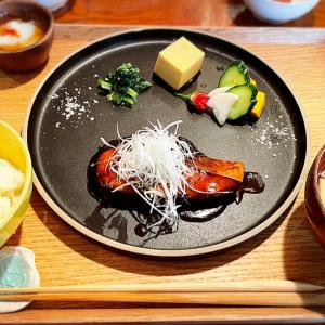【魚男】福岡ではココにいくべき!人気店の美味しい魚はランチでもOK