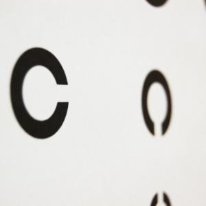 近視レーザー治療をして、13年後の視力