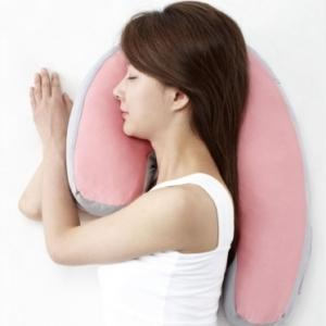 いびき対策! 横向き寝枕のおすすめ3選!