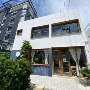 【シラチャ】人気の写真映えカフェ「Blue House Café」に行ってみた!