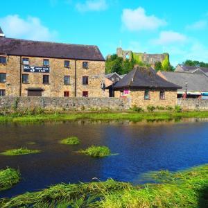 ウェールズの風景、建物、インテリアを楽しむなら「ヒンターランド」