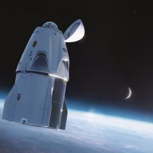 【海外の反応】「日本人宇宙飛行士が乗ったのもこれ?」スペースXのロケット映像がすごい!