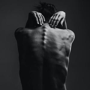 脊髄損傷は治るの?再生医療の専門家が治療法を解説