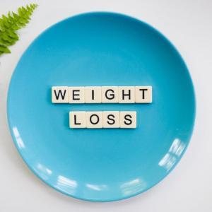 「睡眠不足によるホルモンの関係→体重減量困難」