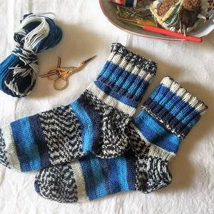 【人気!手編み靴下 - 前編】手編みの靴下はどのくらい長持ちするの? Opal毛糸・yuzawayaフリーソック・ソックヤーン