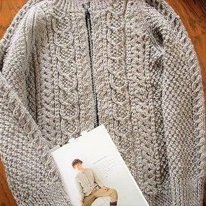 【一枚だけニットを持てるとしたら】三國万里子さん『編みものワードローブ』よりアランカーディガン