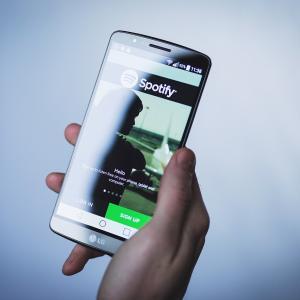 """【音楽】Spotifyは""""嫌い""""ボタンを作ることによって""""おすすめ""""を改善したい"""