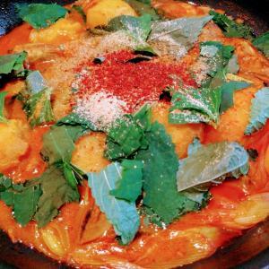ホロホロの骨付き豚肉が絶品すぎる韓国のお鍋