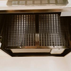 キッチンの換気扇カバーを外してみました