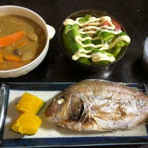 昨日の晩ご飯は焼き小鯛。おつまみはオクラのお菓子