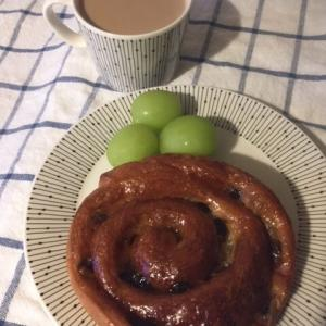 PAULのパンで朝ごぱん