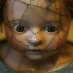 兄弟が親に虐待されている様を見る事で生まれるトラウマ