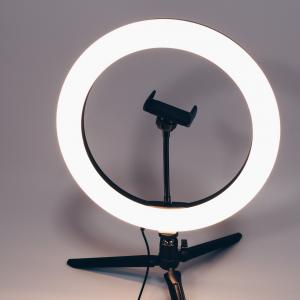 3COINS LEDリングライトスマホスタンド レビュー