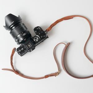 パパカメラにも最適。写真でも動画でも、好きなモノを好きなカメラで撮る。【FUJIFILM X-S10】