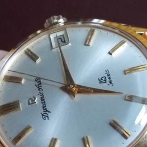 シンプルで本当に美しい『リコーの高級時計』