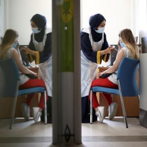 英首相、冬に向けコロナ対策発表へ 接種証明は導入中止=保健相