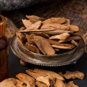 最高峰の香り「伽羅(キャラ)」は神が創った香り