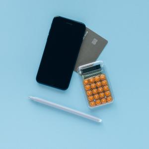 【専業主婦の家計管理】2つの口座と家計簿アプリでお金が貯まる!