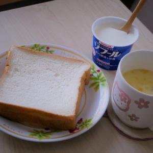 「Rodの食パン」をそのままコーンスープに浸して~懐かしさに包まれる朝~