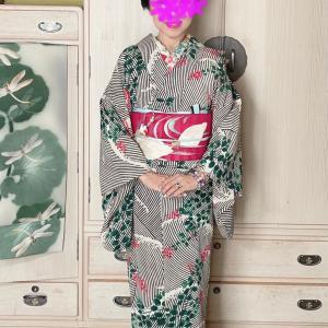 萩の着物に白鳥の刺繍帯