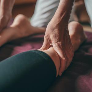 【超簡単】足が痛いときにおすすめなマッサージ方法と器具