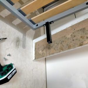 カビの徹底除去と5つの抑制対策!家具を分解して増殖したカビ退治