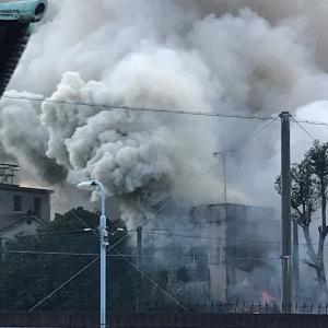 武蔵小山の火事の動画・画像「火が家のそばまできてる」