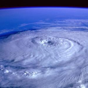 公務員だった頃、巨大台風で避難所開設をした(体験談)