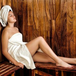 お風呂でサウナ傘。半身浴兼ミストサウナはけっこう良い。