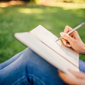 【手帳には何書けばいい?】手帳に書くといいおすすめ7選