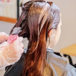 【ヘアカラーでかぶれる】歴16年の美容師が徹底解説!痒い、荒れる、しみるのはアレルギー?
